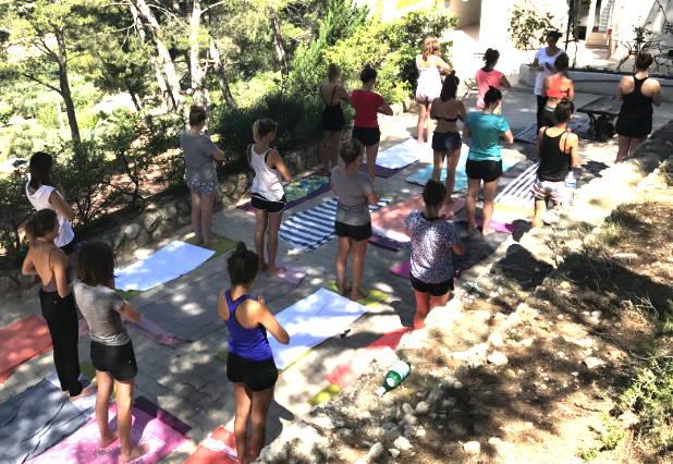 yoga enterrement vie fille